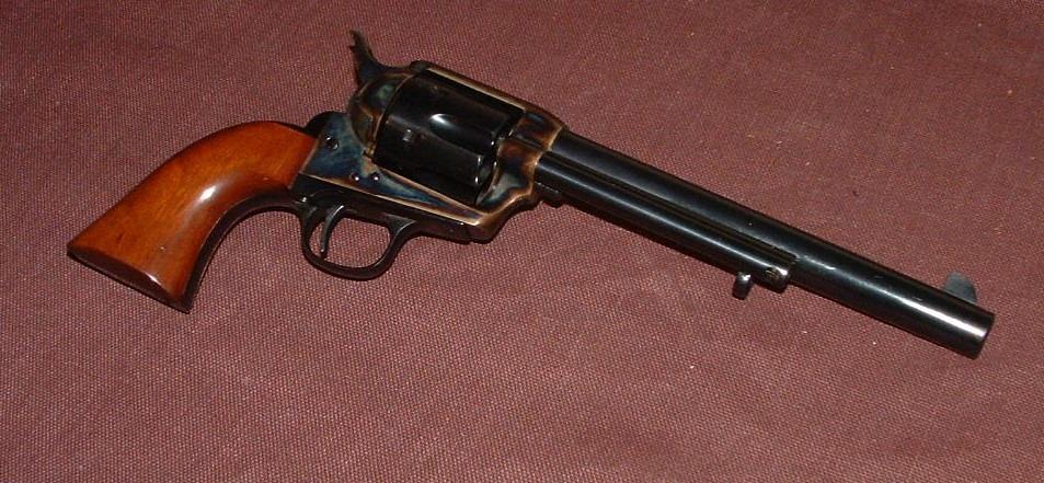 Pistola calibro 45