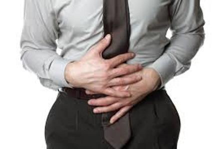 mal di stomaco e restituire nell'ano femminile