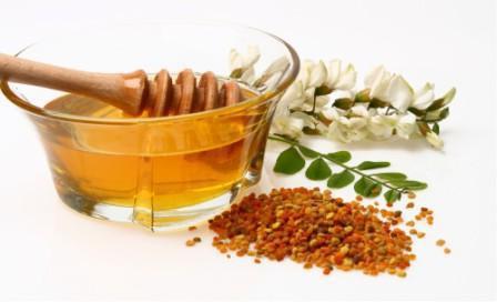 proprietà utili del miele bianco d'acacia