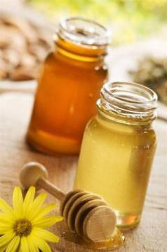 proprietà benefiche e controindicazioni del miele d'acacia