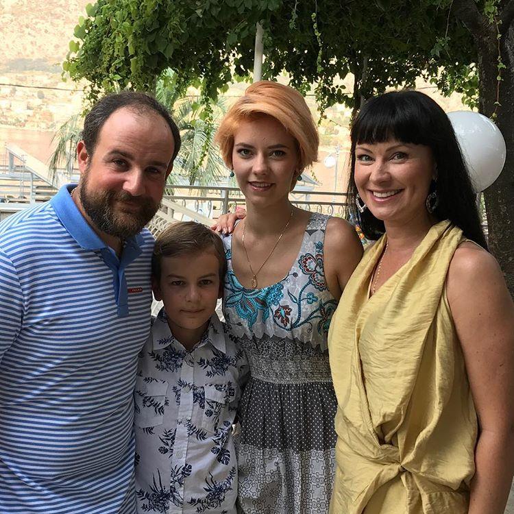 Famiglia di Nona e Alexander