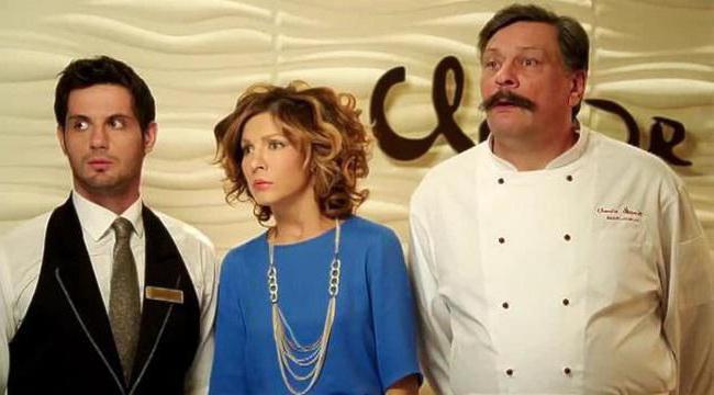 снимка на актьори в кухнята