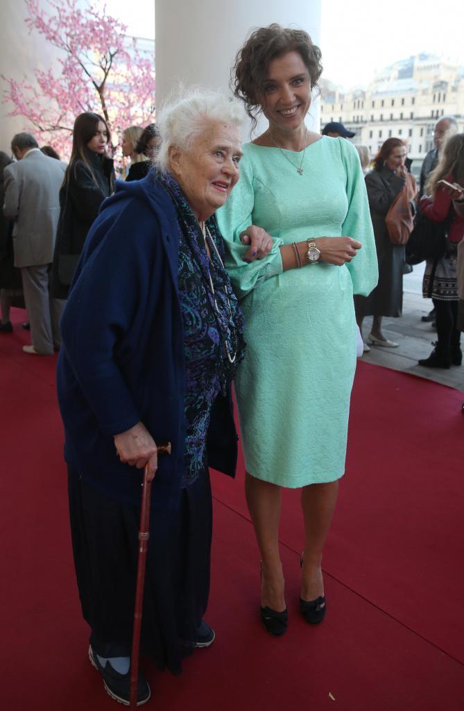 Ксения с баба си