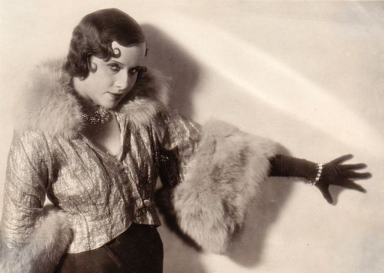Tokarskaya nella sua giovinezza