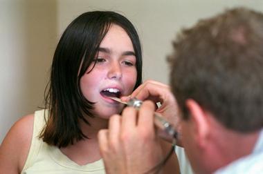 Tonsillite acuta, sintomi e trattamento
