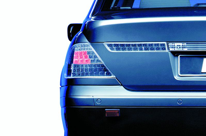 Инсталиране на допълнителни спирачни светлини на автомобили