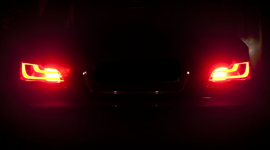 Как да инсталирате допълнителна стоп светлина в колата?