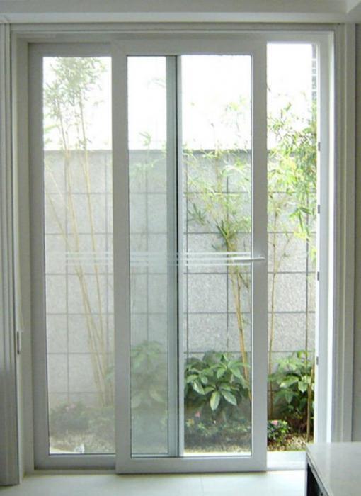 regolazione delle porte del balcone in plastica