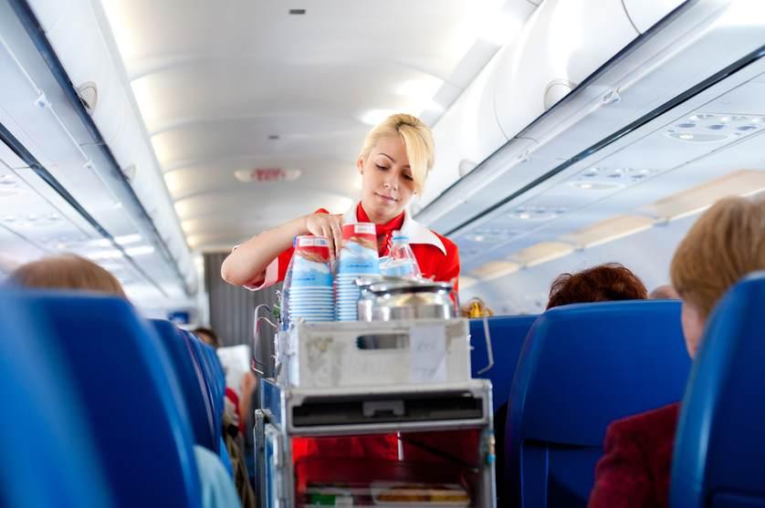 Stewardesa w samolocie