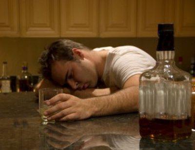 zastrupitev z alkoholom