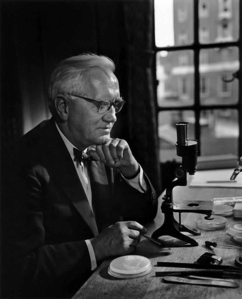 Batteriologo inglese Alexander Fleming