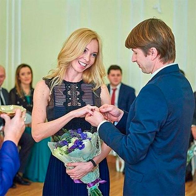 Тотмянина и Ягудин подписаха