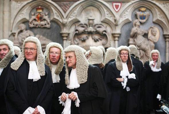 Английски съдии