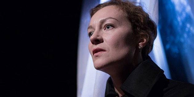Анна Дукона на сцената