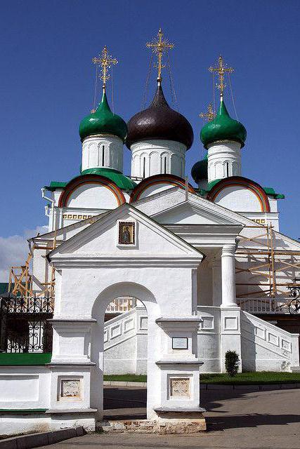 Църквите на Благовещенския манастир Нижни Новгород