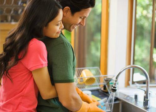 човек ваге и жена водолија љубав компатибилност