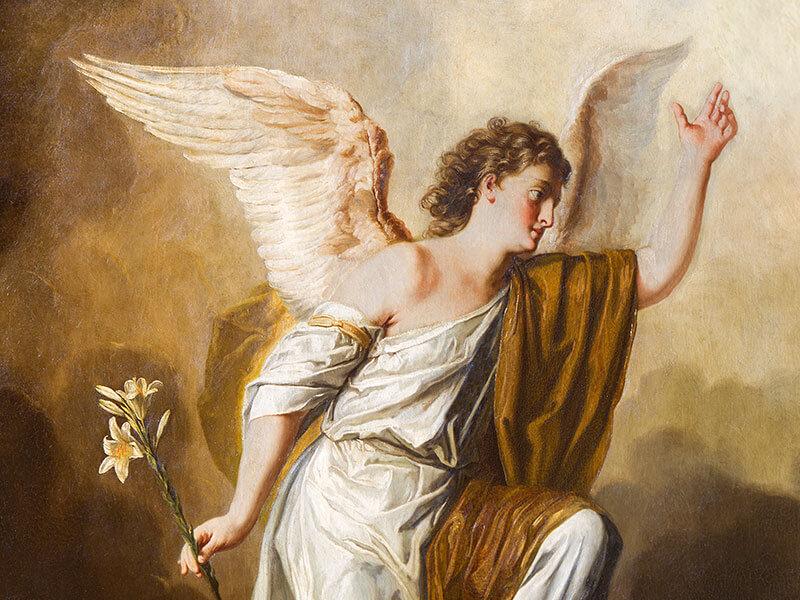 Archanioł Gabriel z białym kwiatem