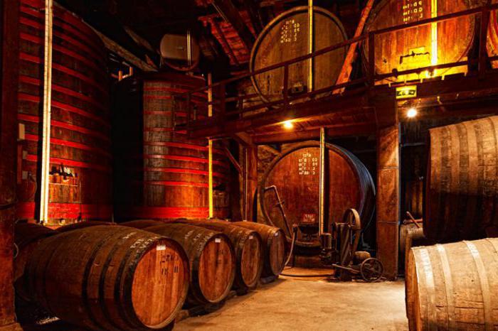 in che modo il cognac si differenzia dall'armagnac