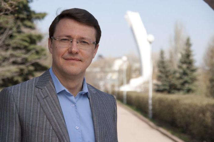 Azarow Dmitriy Igorevich działalność społeczna