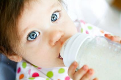 skleněné láhve na krmení