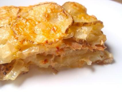 kako peći krumpir u pećnici s mesom