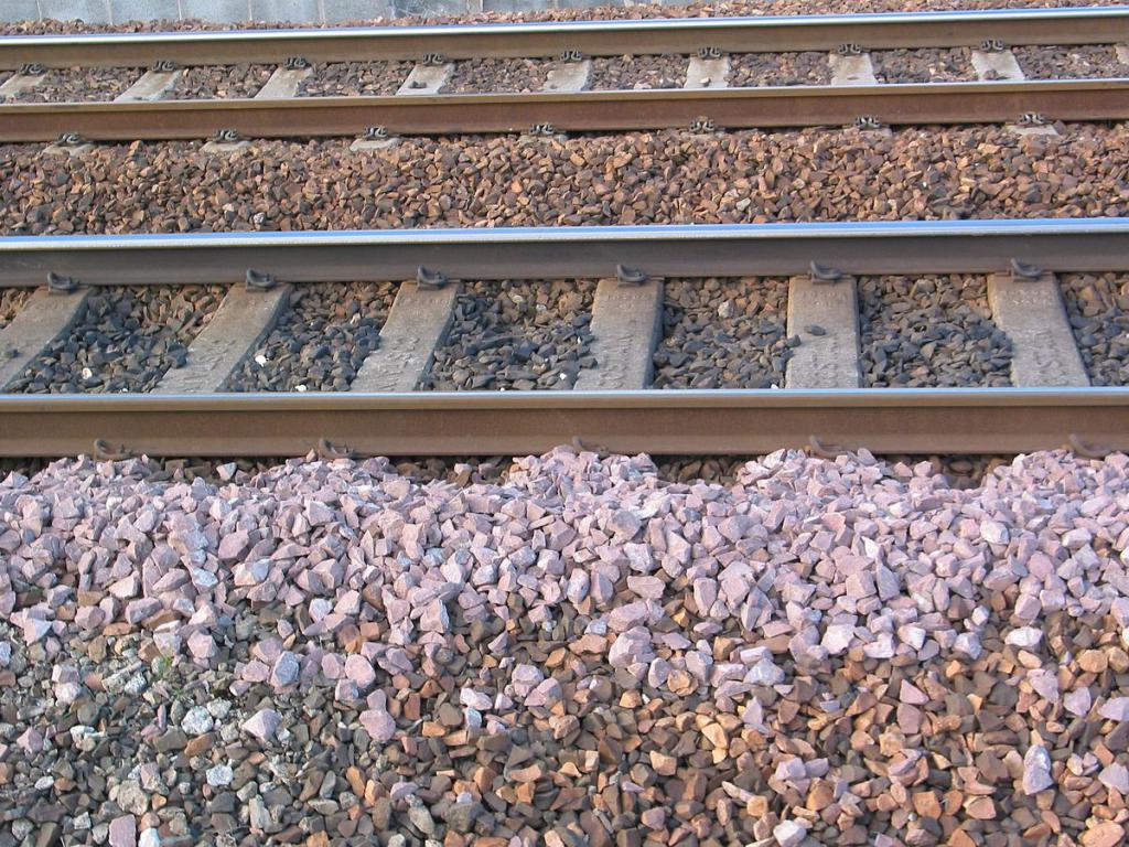 zátěž na železnici