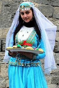 жене називају модерни Азербејџан