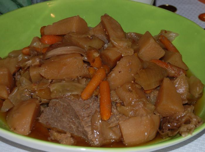 Dania z wołowiny w powolnym kuchenka