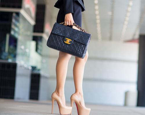 Co ubrać w beżowe buty