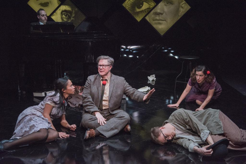 Staví hru Bertolta Brechta