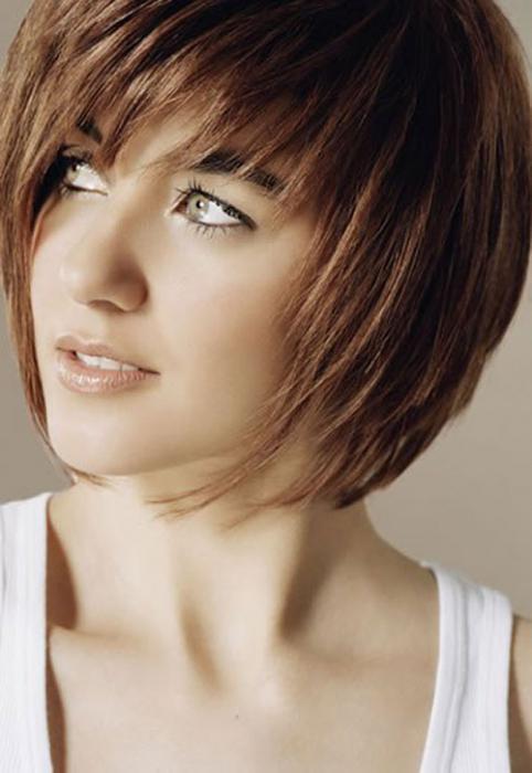 kratke frizure s bangs