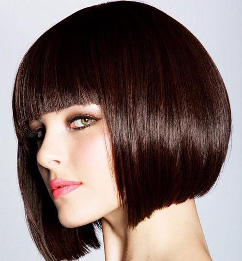tagli di capelli corti con frangia