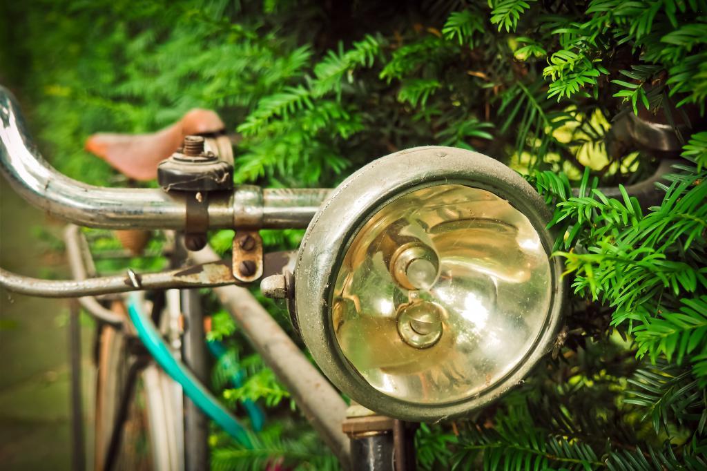 Стар велосипеден фенер