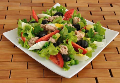 cucinare insalata festosa