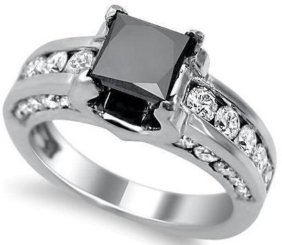 uhani iz črnega diamanta
