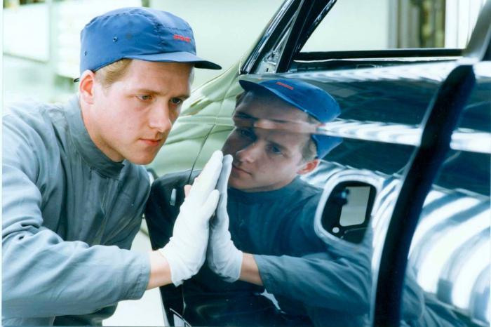 Avto za delo na karoseriji