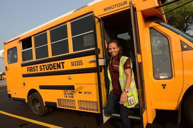 oficiální řidič autobusu