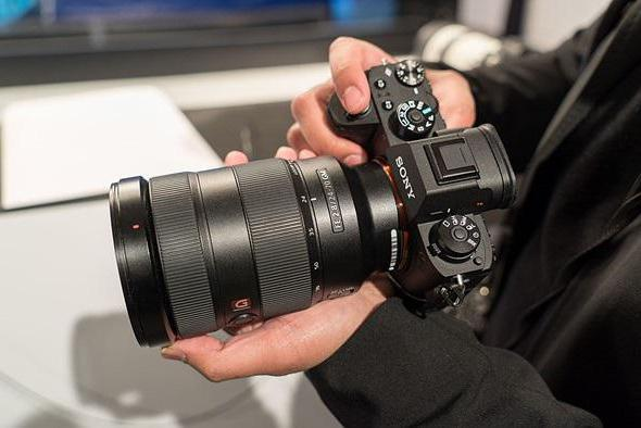 recensioni di fotocamera sony alfa 6000
