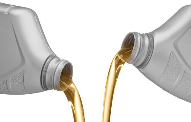 è possibile miscelare olio sintetico e semi-sintetico