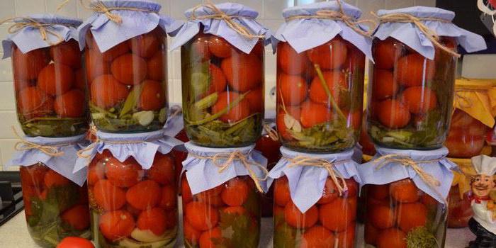 консервирани домати с лук без стерилизация