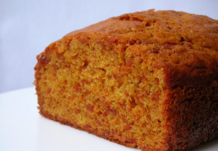 torta di carote con panna acida