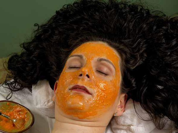 maschera per la carota per l'acne