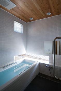 finire il soffitto nel bagno