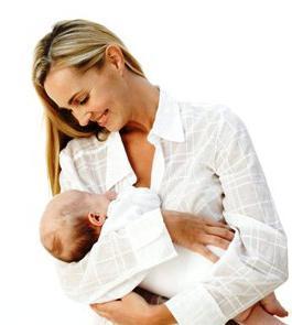 Sognate il bambino allattato al seno