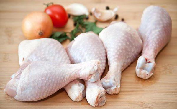 Пиле в буркан в собствен сок