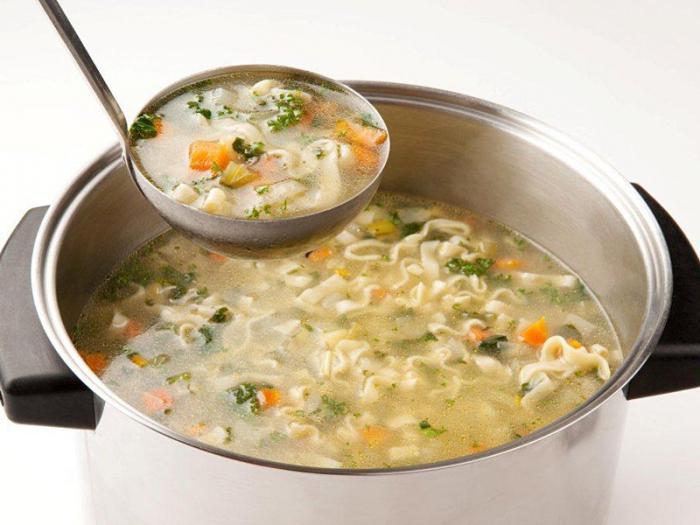 Deliziosa zuppa di pasta fatta in casa
