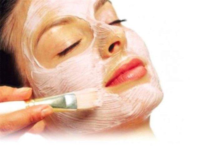 maschera facciale di pulizia profonda