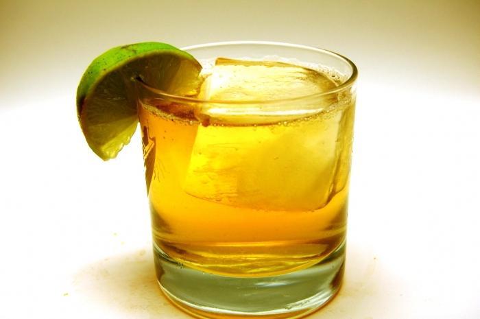 Cognac con proporzioni di Coca-Cola