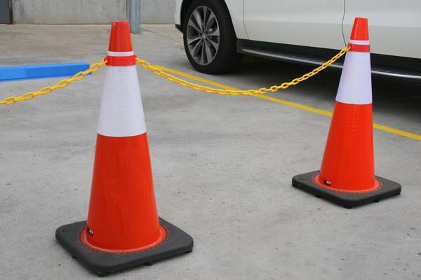I dissuasori di parcheggio sono rimovibili