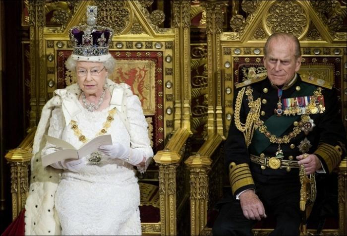 конституционна монархия